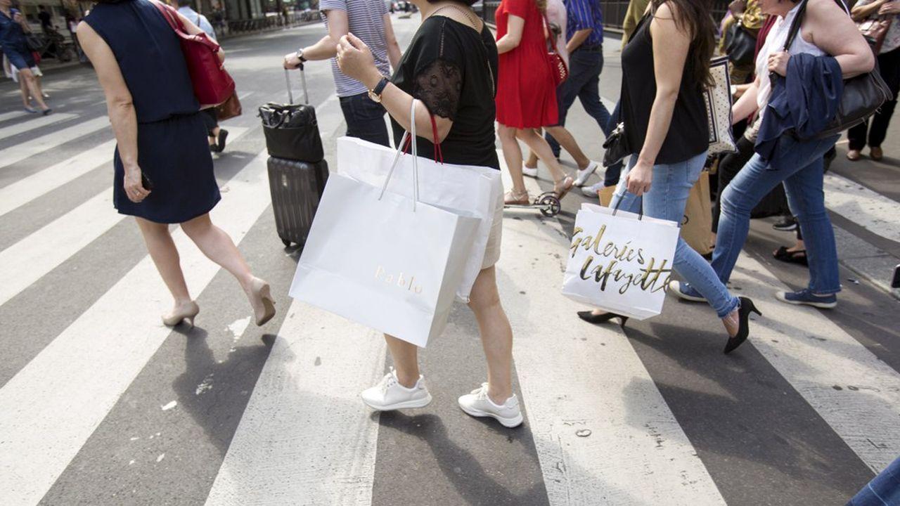 Les commerçants peuvent espérer voir davantage de clients avec le rebond du moral des ménages.