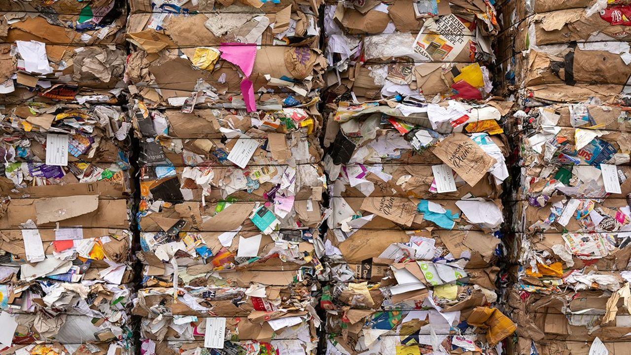 Le problème des papiers imprimés (presse, publicité…) grandit, seuls 57% ont été recyclés en 2019. La baisse de la consommation de journaux et de magazines impacte les volumes mis en marché (-128.000 tonnes) et entraîne une baisse des tonnes recyclées (-57.000 tonnes).