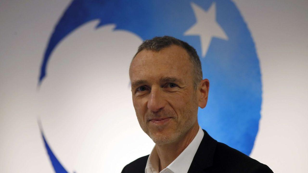 «Rien de plus naturel pour une entreprise comme la nôtre, dont le patron Antoine Riboud, il y a cinquante ans, déclarait déjà qu'il ne pouvait plus y avoir de développement économique sans développement humain» estime Emmanuel Faber, le PDG de Danone