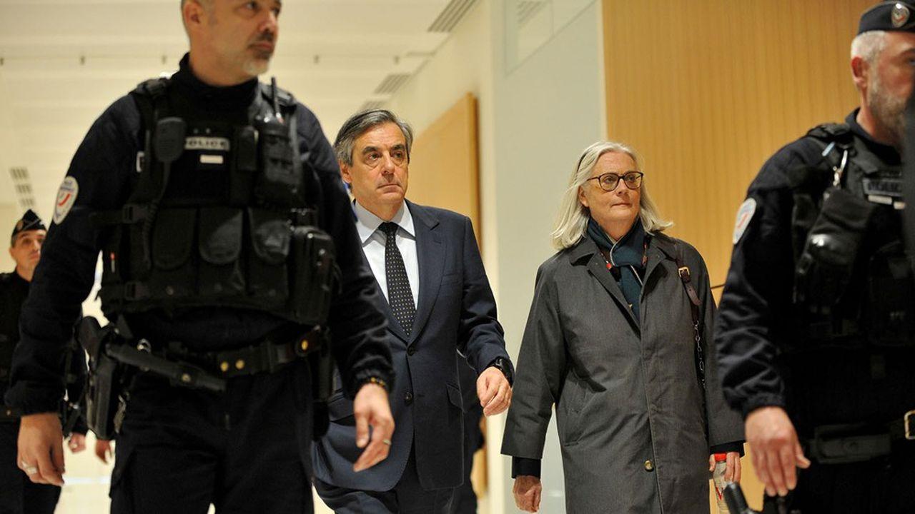 Prison et amendes pour les époux Fillon dans l'affaire des emplois fictifs