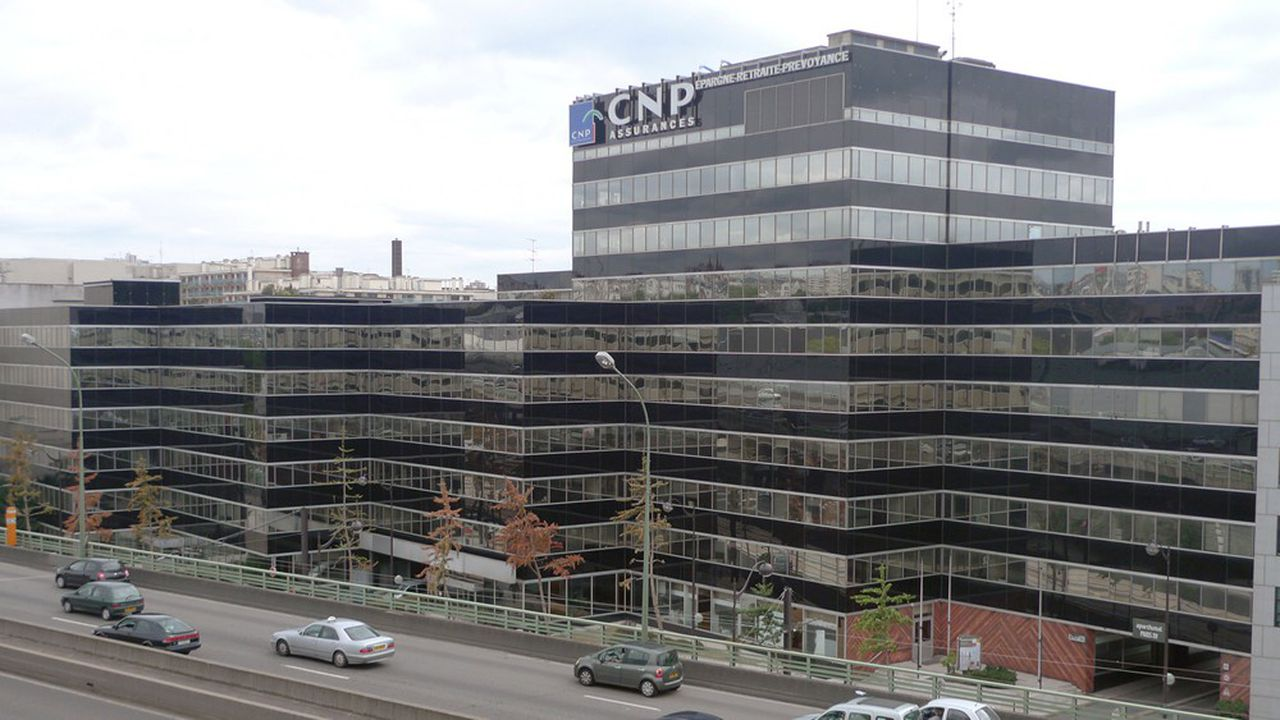 CNP Assurances a cédé son siège de Montparnasse à Paris, pour financer ses futurs locaux à Issy-les-Moulineaux.