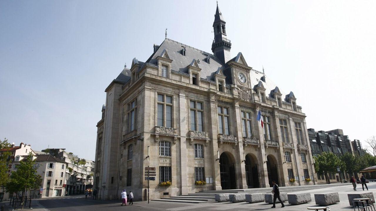 Passée socialiste dimanche, la mairie de Saint-Denis était communiste depuis la Libération.