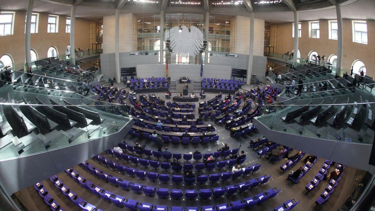 Prévue initialement pour 598 sièges, l'assemblée parlementaire allemande compte déjà 709 députés. REUTERS/Fabrizio Bensch