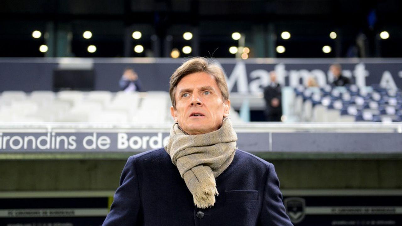 Le nouveau maire assène ses coups contre les dirigeants — Bordeaux