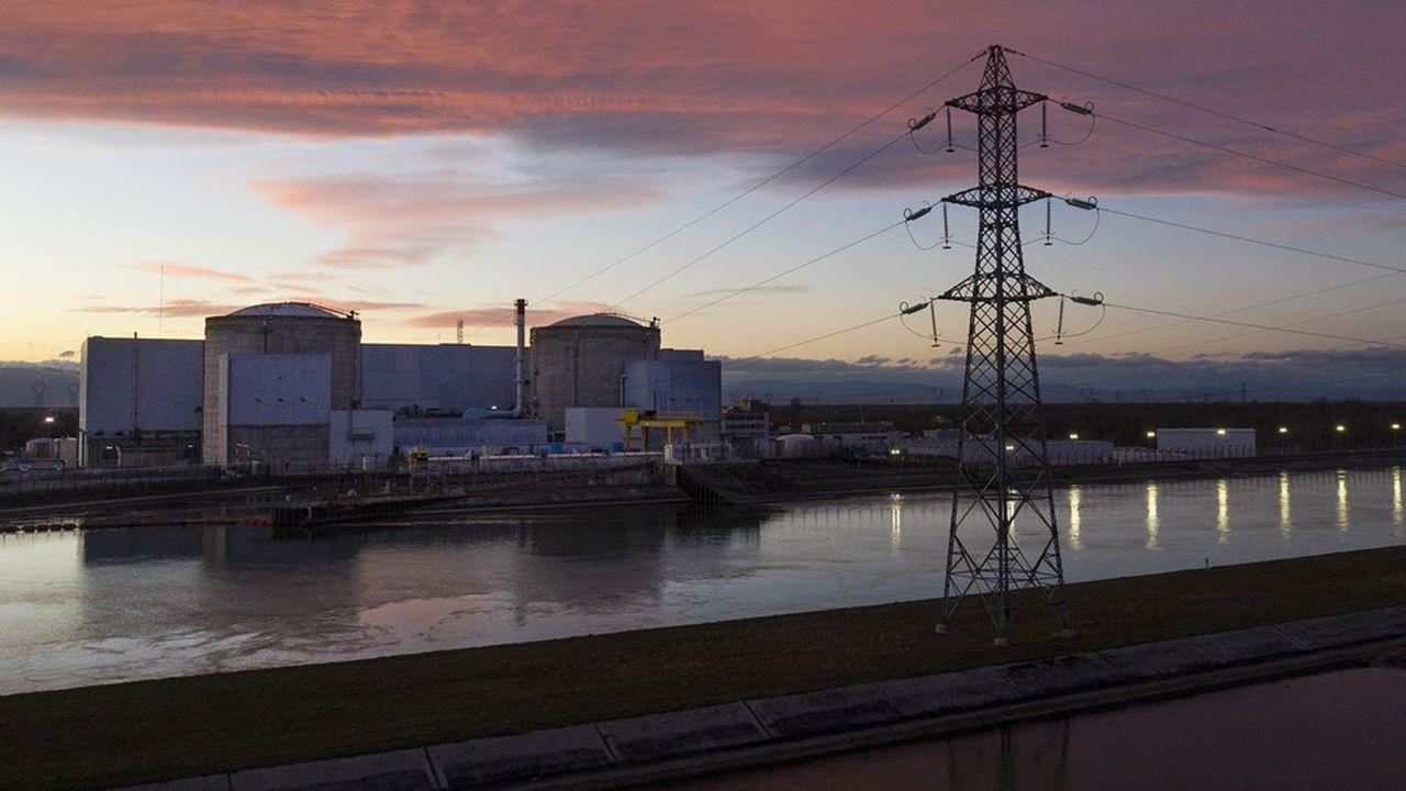 La fermeture de la centrale de Fessenheim décidée par François Hollande en 2012, n'a eu de cesse d'être programmée puis reportée.