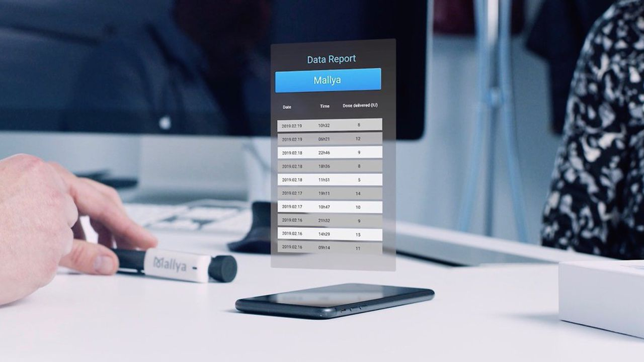 Mallya est le capteur intelligent de Biocorp, qui s'accroche aux stylos injecteurs d'insuline et envoie les informations à une application téléchargée par le patient sur son mobile
