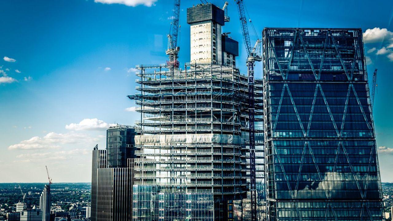 Les actifs réels, de l'immobilier au capital-investissement en passant par la dette privée, affichent une croissance des encours solide et une rentabilité élevée, de quoi nourrir l'intérêt des sociétés de gestion.