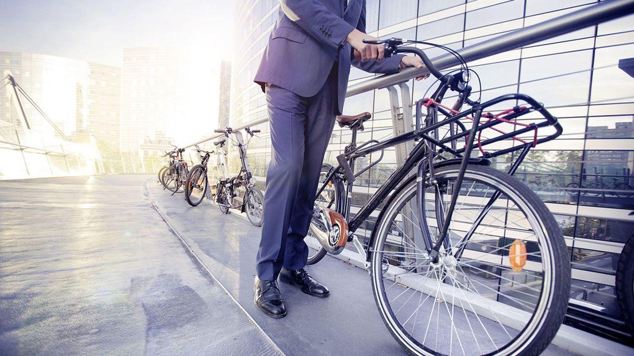 87% des quelque 180.000 salariés qui travaillent à la Défense empruntent les transports en commun.