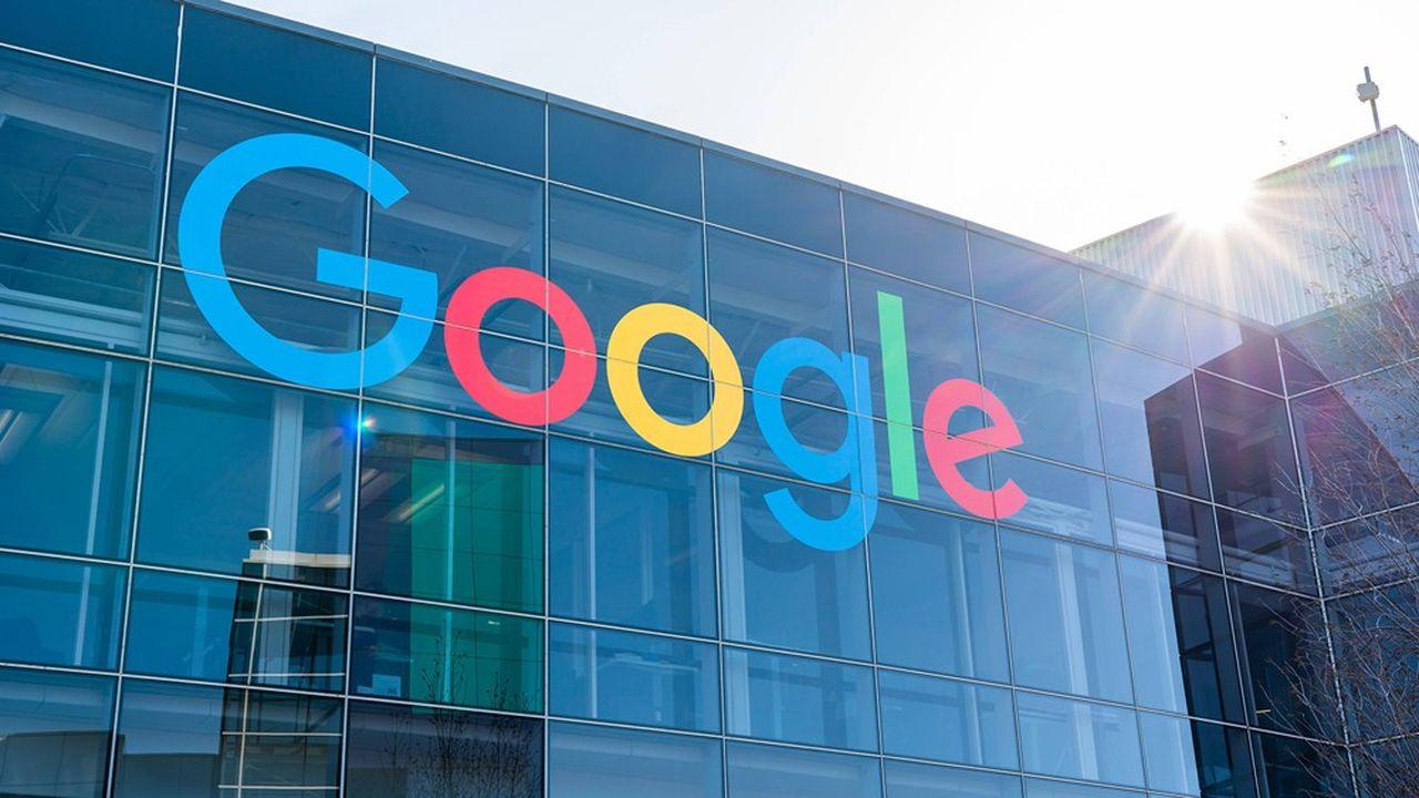 En 2019, Google a généré 135milliards de recettes publicitaires, soit plus de 83% de ses revenus totaux.