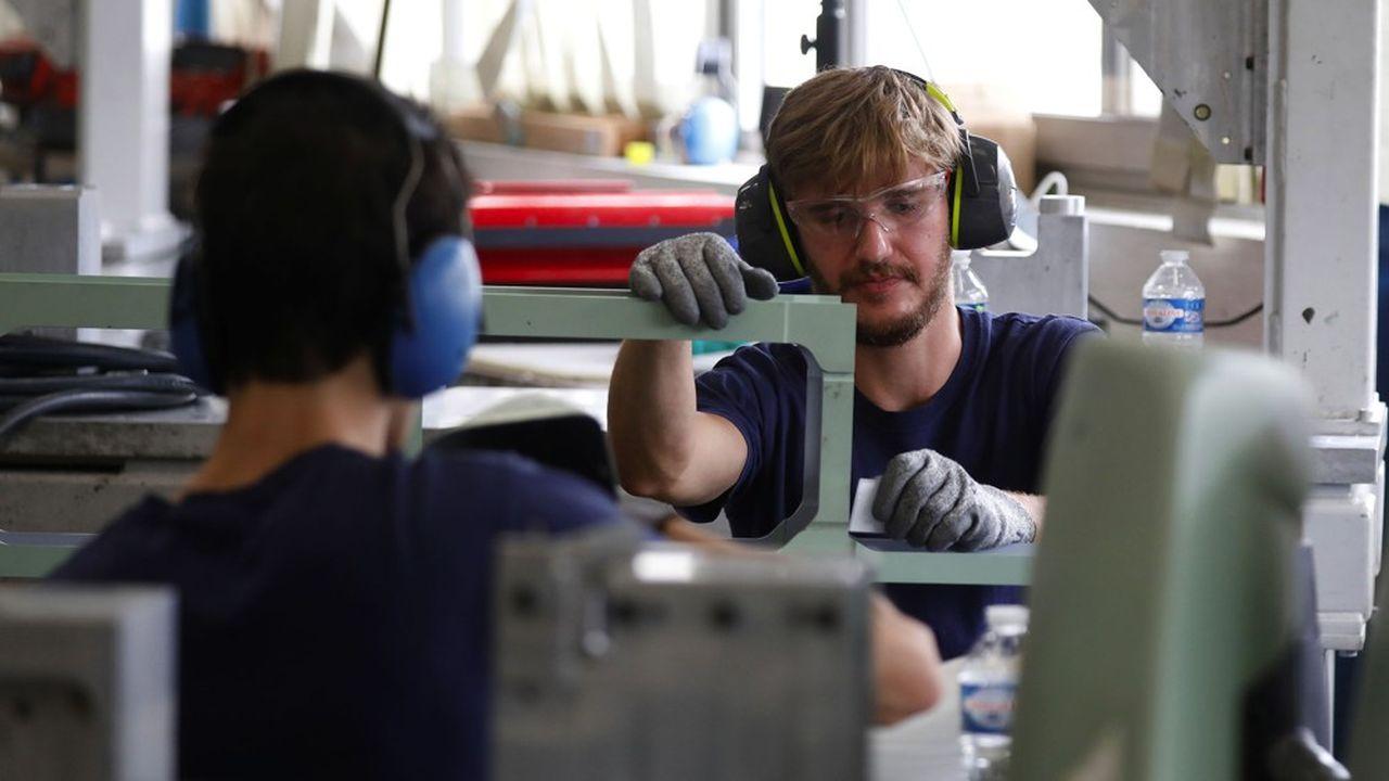 A 93%, les jeunes lycéens interrogés estiment qu'il est nécessaire de relocaliser les usines en France.