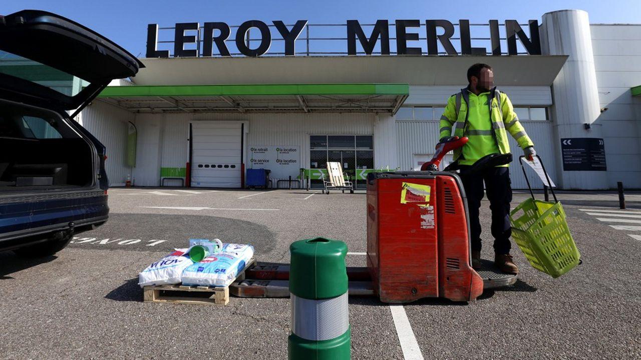 Pendant le confinement, Leroy Merlin avait mis en place un service spécifique de commande en ligne sur internet avec retrait des marchandises sur rendez-vous.