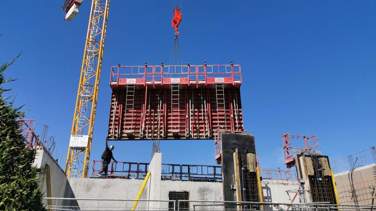 L'industrie du bâtiment emploie beaucoup de travailleurs détachés.