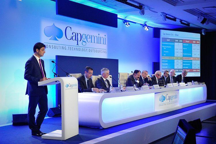 Le 26 mai 2011, lors de l'assemblée générale de Capgemini, entreprise dont Nicolas Dufourcq est alors directeur financier.
