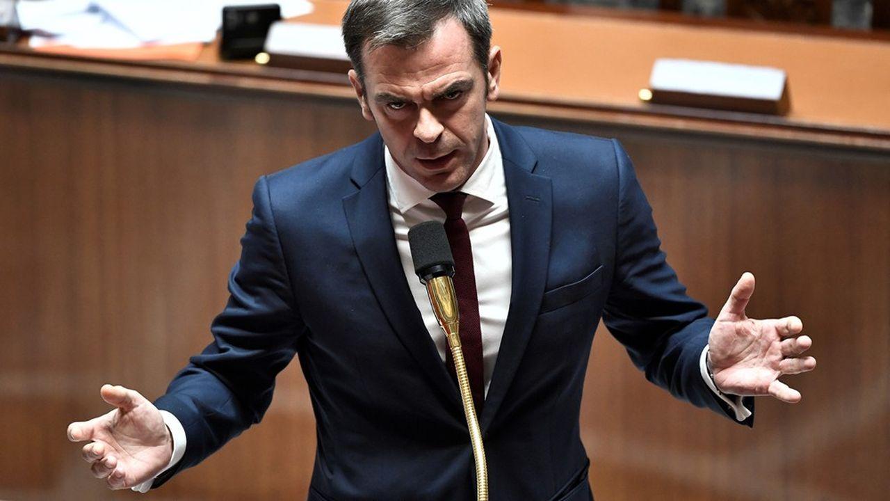 Le ministre de la Santé, Olivier Véran, prononçant un discours à l'Assemblée nationale le 17juin.