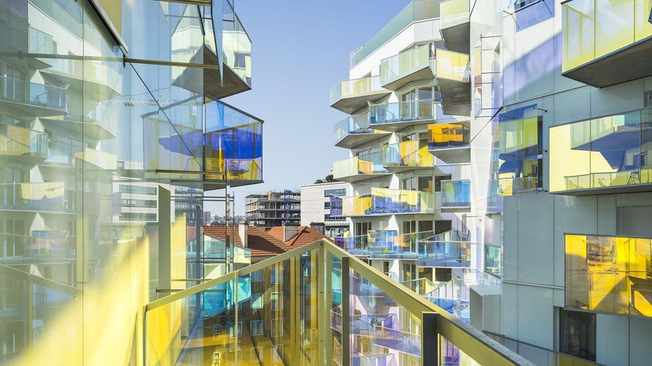 Sur l'îlot Fulton, ICF Habitat La Sablière, bailleur social de la SNCF, édifie un ensemble moderne de logements.