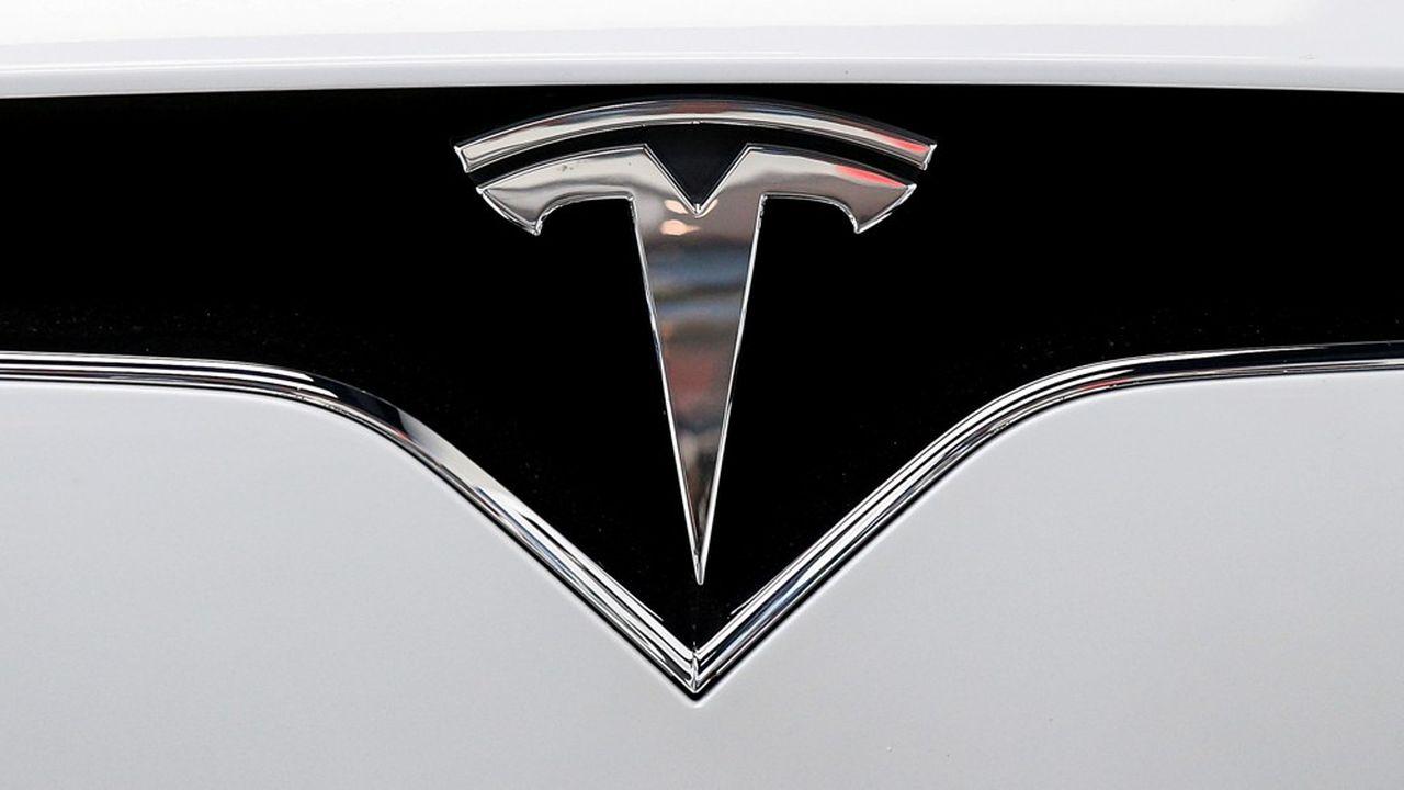 «Tesla va produire des shorts» pour les vendeurs à découvert -«short-sellers» en anglais- pris à revers par l'envolée du cours de Bourse de Tesla, s'est récemment amusé son patron Elon Musk sur Twitter.