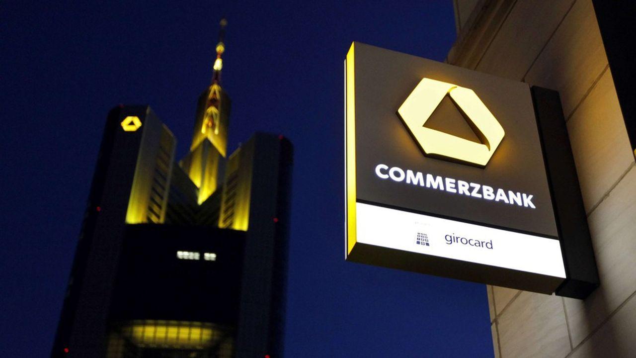 Commerzbank prépare un plan d'économies qui pourrait entraîner la suppression de 7.000 emplois supplémentaires.