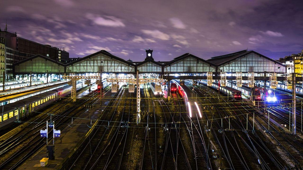 En France, il n'existe que deux lignes domestiques de train de nuit sur tout le territoire.