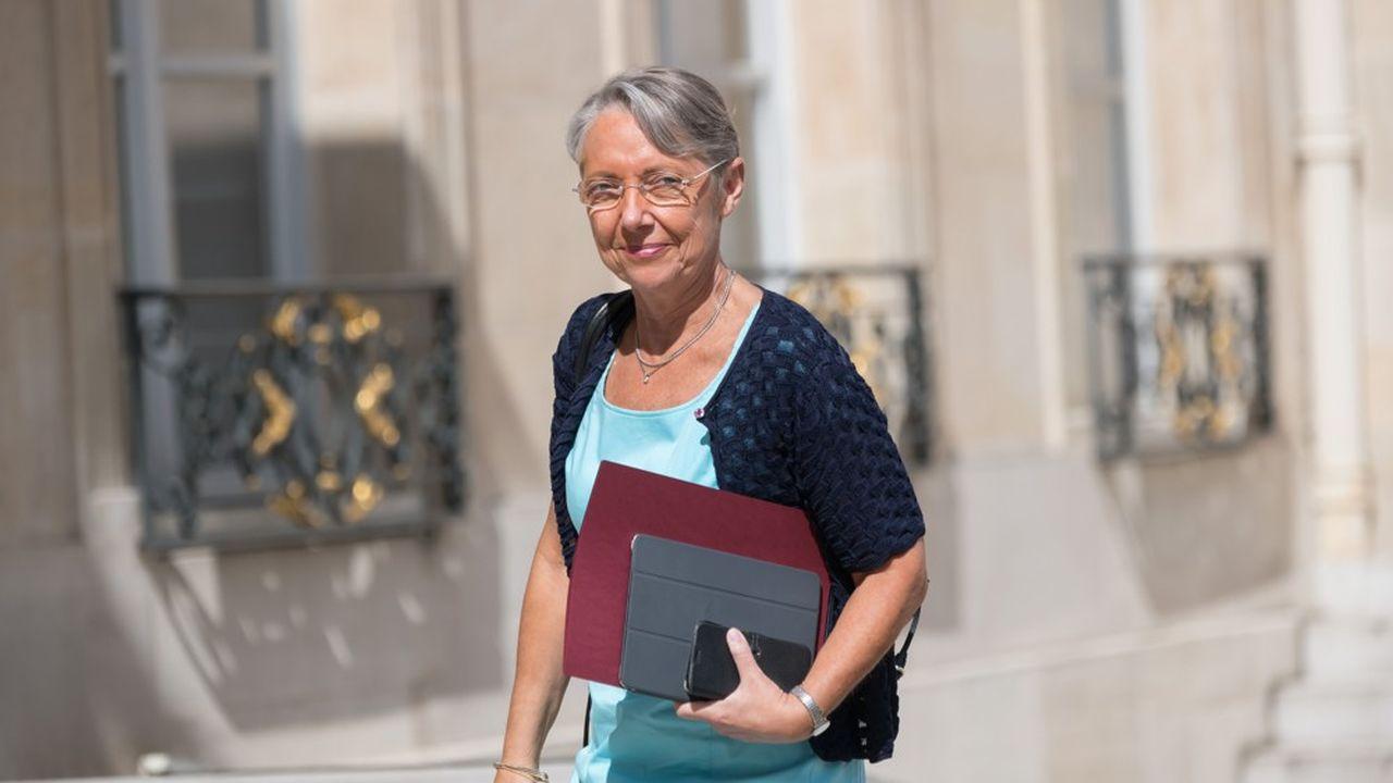 Elisabeth Borne va devoir faire atterrir la réforme des retraites sans diviser le pays.