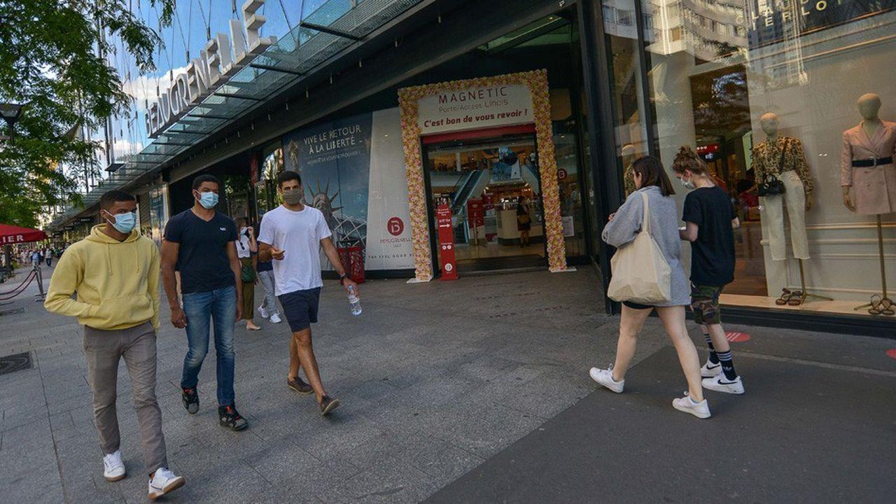 L'Insee prévient que ses estimations sont soumises «à beaucoup d'incertitudes, liées avant tout à la situation sanitaire en France et dans le monde».