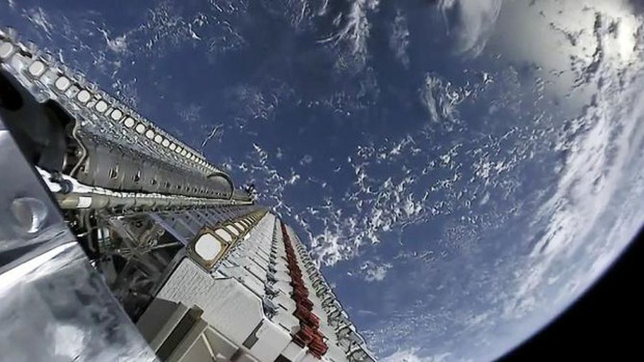 Starlink a réussi à masquer en partie la luminosité de ses satellites pour répondre aux critiques des astronomes.