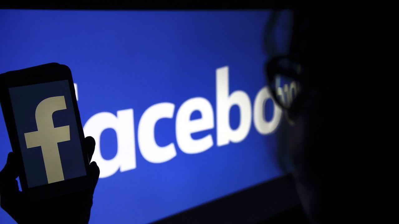 Facebook a une capitalisation boursière de près de 700milliards de dollars