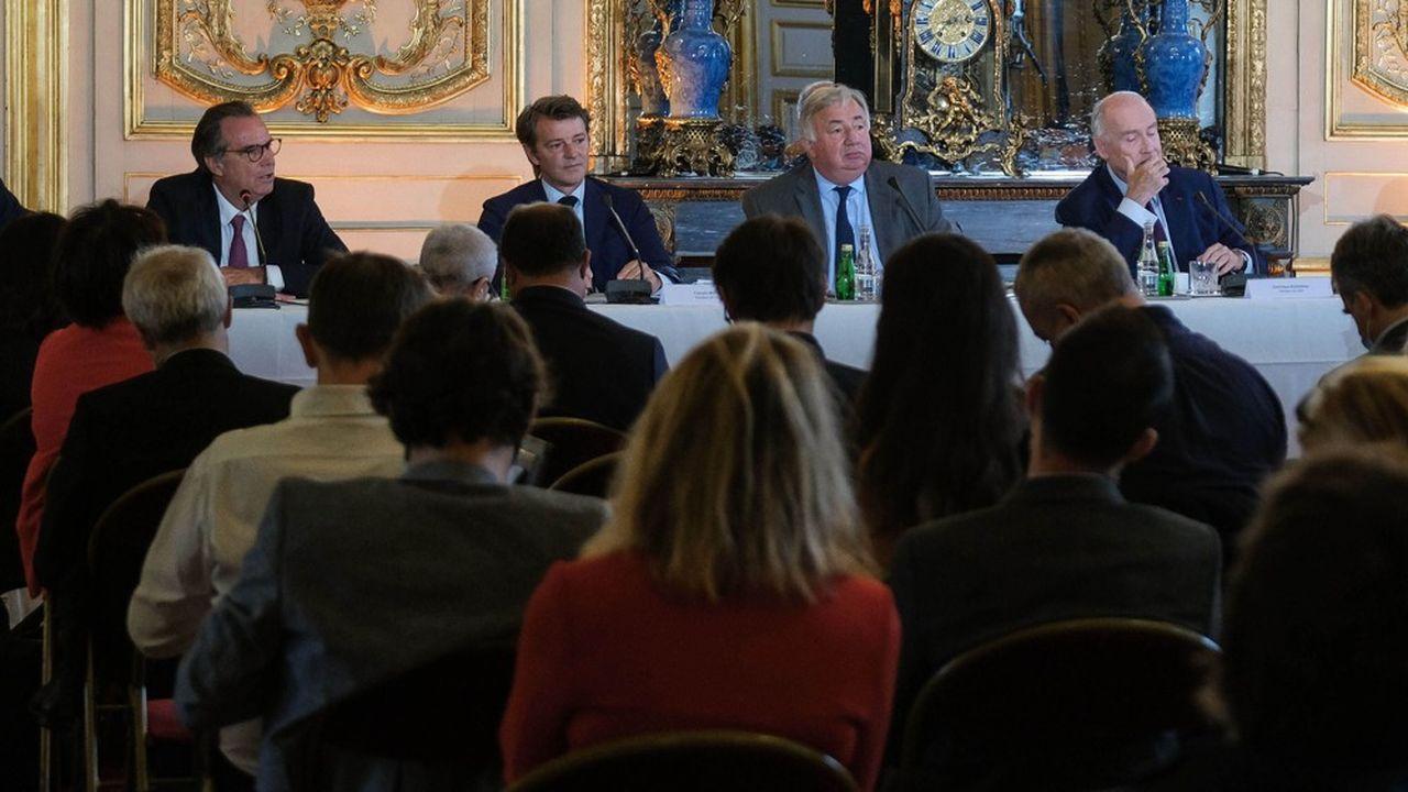 Renaud Muselier (Régions de France), Francois Baroin (Association des maires de France), Gérard Larcher (Sénat) et Dominique Bussereau (Assemblée des départements de France), ce mercredi.