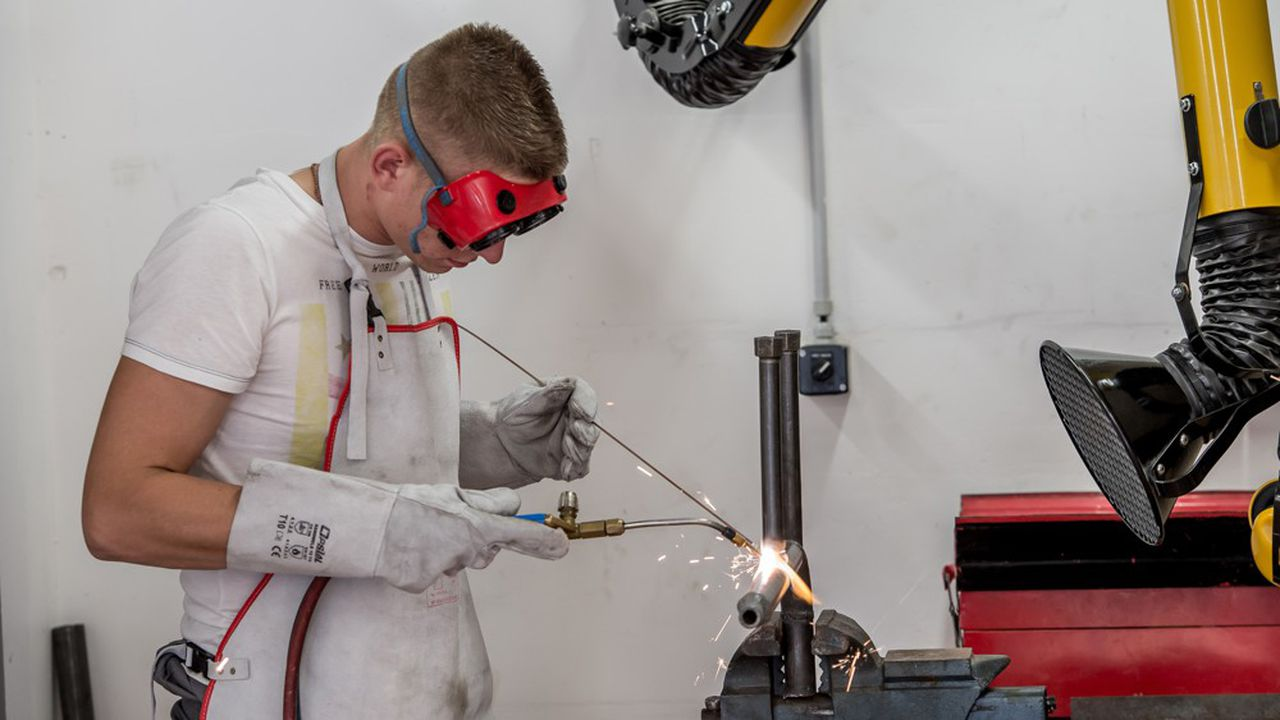 Un plan d'aide a été annoncé en juin par le gouvernement d'Edouard Philippe, soucieux de sauver les recrutements d'apprentis après une année 2019 record.