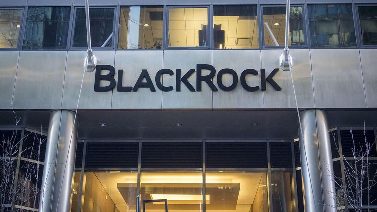 BlackRock a remporté un appel d'offre de la Commission pour la rédaction d'un rapport portant sur l'intégration de critères environnementaux, sociaux et de gouvernance (ESG) dans le cadre européen de supervision bancaire. Un contrat qui fait polémique.