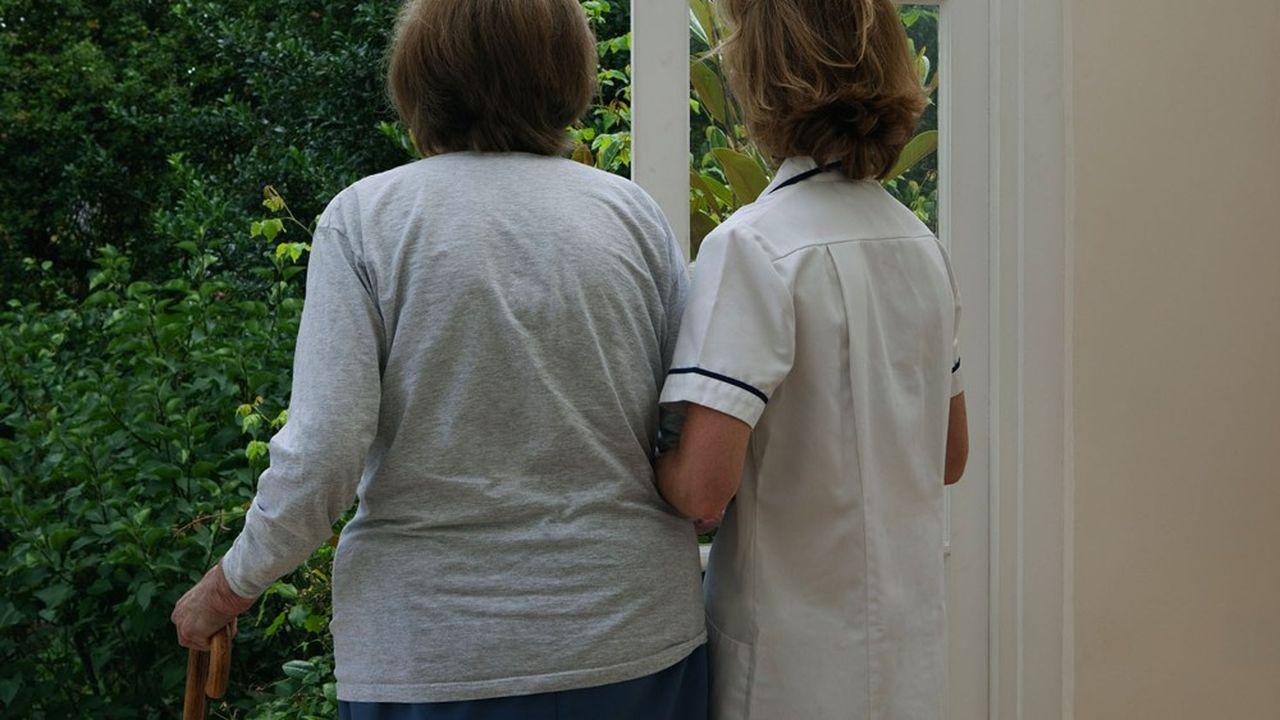 La crise du Covid-19 a accéléré l'isolement des personnes âgées et handicapées.