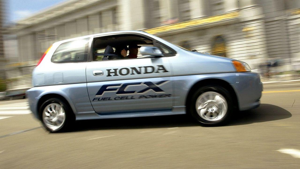 L'intérêt des constructeurs automobiles pour l'hydrogène n'est pas récent (ici, un modèle Honda de 2004).
