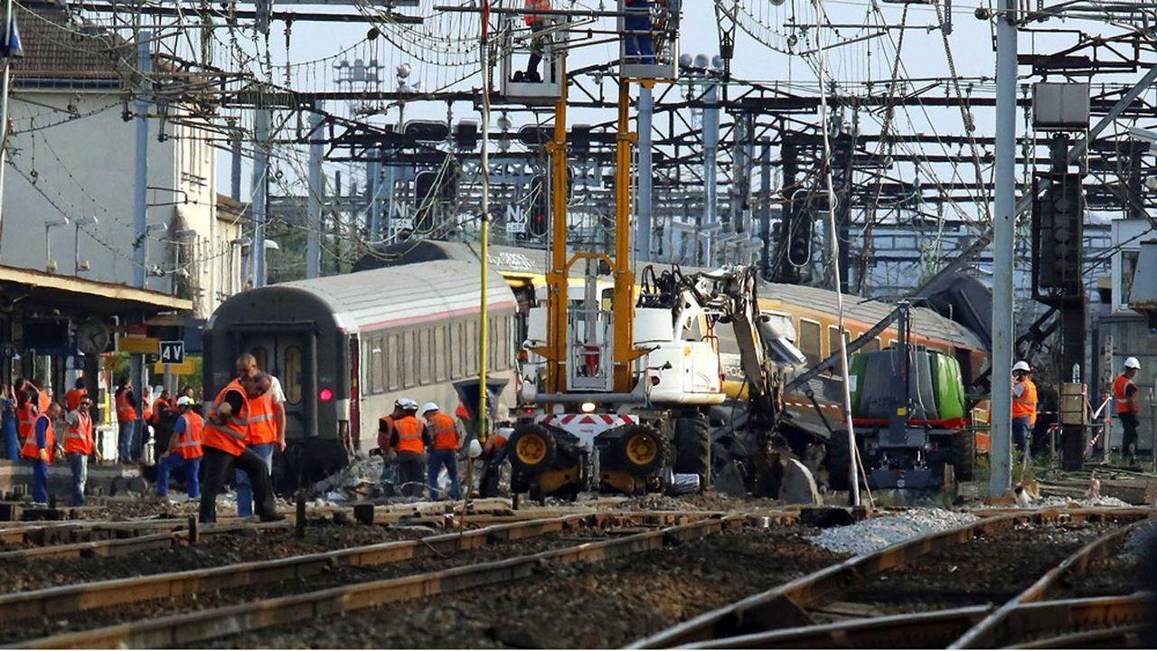 12juillet 2013, l'Intercité reliant Paris à Limoges déraille en gare de Brétigny-sur-Orge, faisant septmorts et des dizaines de blessés. Près de 200personnes se sont constituées partie civile dans le procès, qui devrait avoir lieu au premier semestre 2021./Credit: SOLAL/SIPA/1307150837