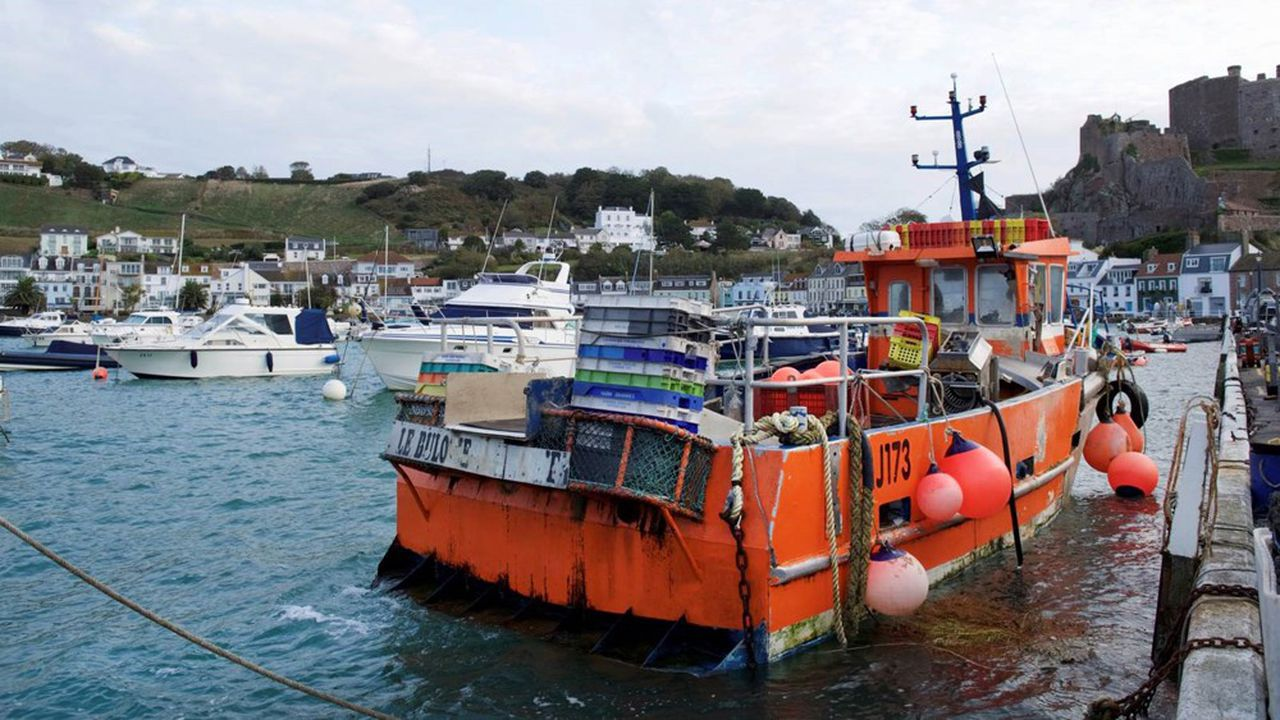 La prochaine sortie de la Grande-Bretagne de l'Europe électrise les relations entre pêcheurs normands et anglais.