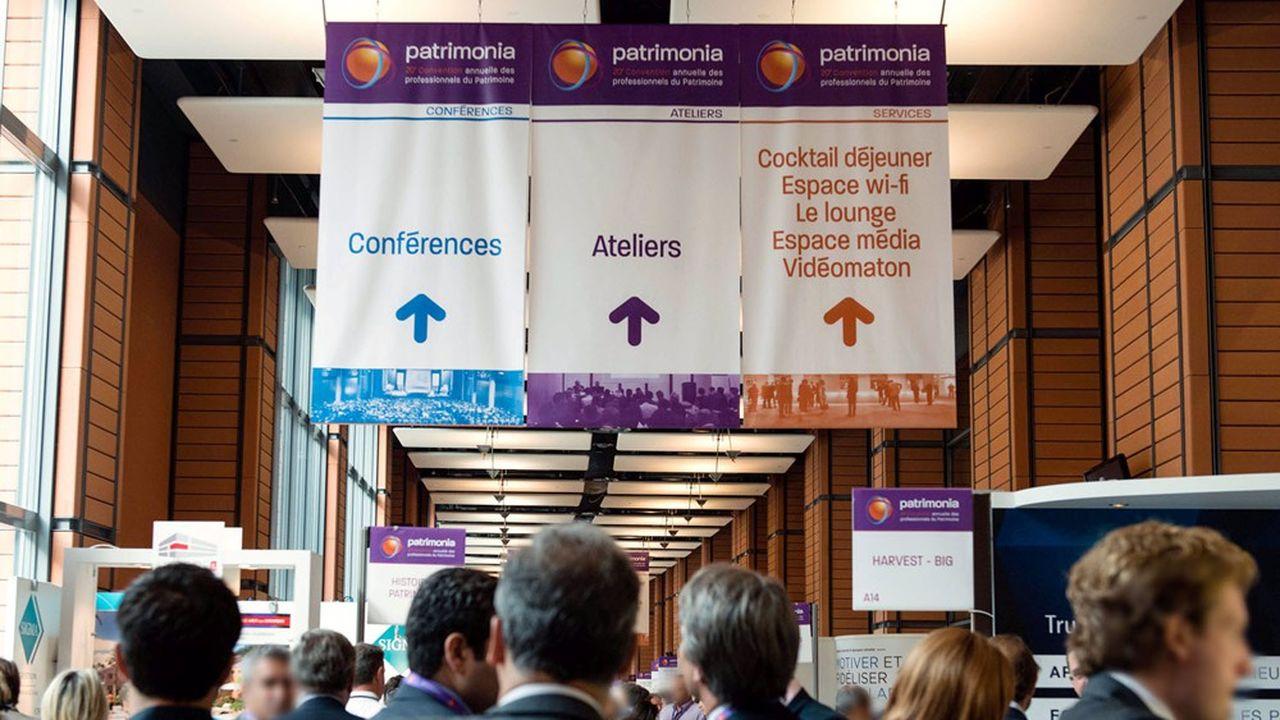Hall des exposants, lors de la 20ème édition de Patrimonia, convention des professionnels du patrimoine.