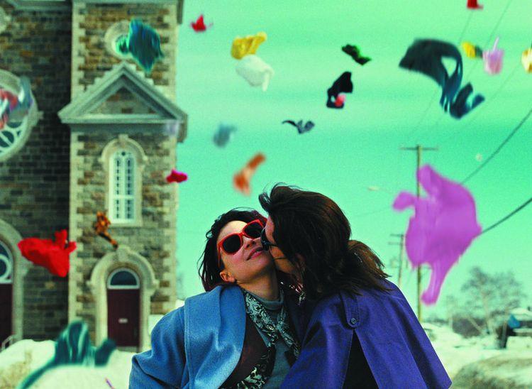 Pendant le confinement, Celine et la plate-forme de streaming Mubi ont proposé des films (comme Laurence Anyways), sélectionnés par Hedi Slimane, son directeur de la création artistique et de l'image.