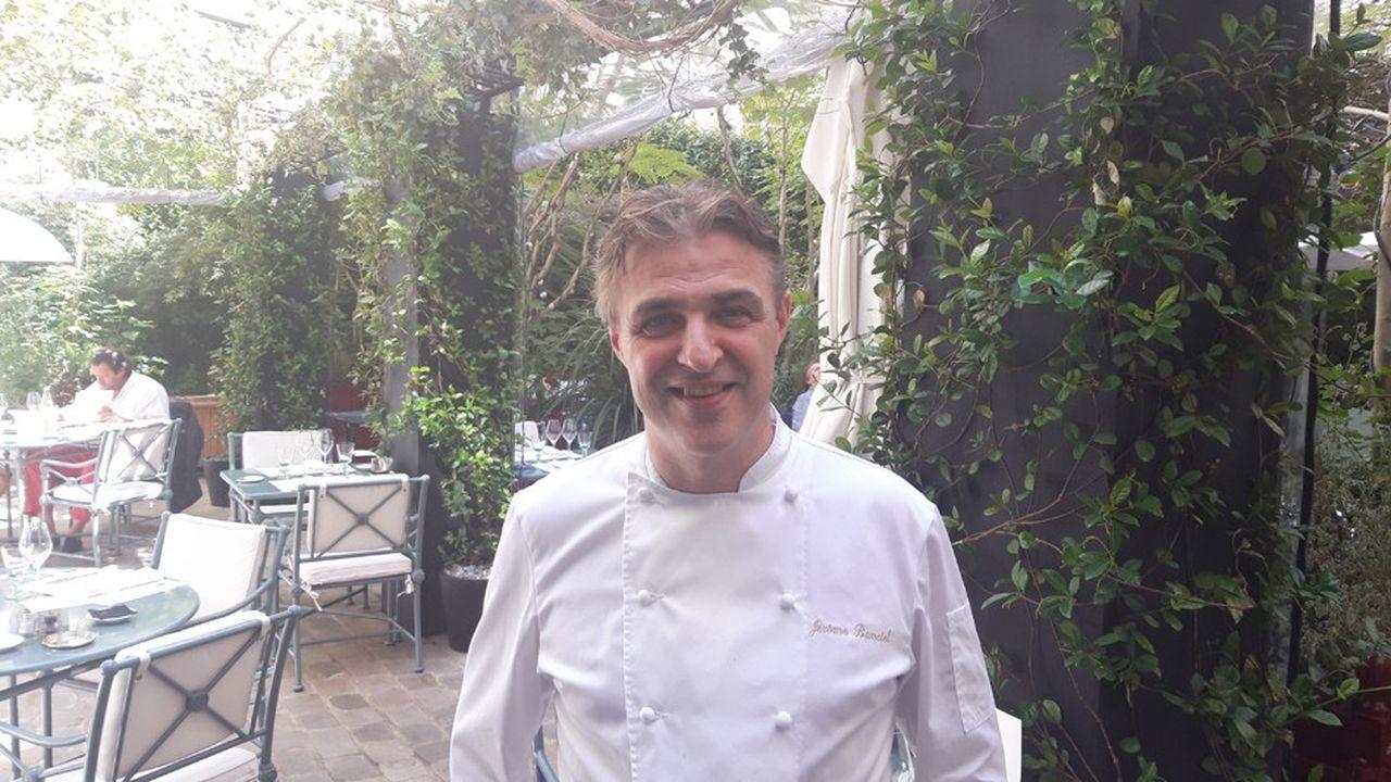 Jérôme Banctel, le chef deux étoiles du Gabriel encore fermé, officie à la Pagode de Cos, l'autre restaurant du palace parisien.