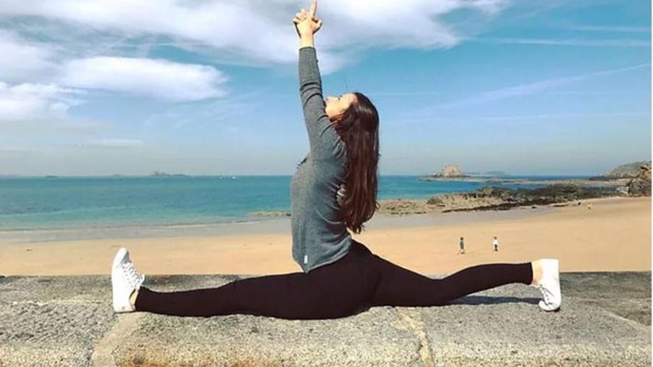 Tatiana Silva, une jeune professeure de yoga, formée à Chypre par un maître indien.