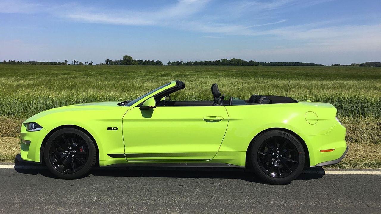 Les autos de la liberté retrouvée épisode 1 : En Ford Mustang Convertible V8 sur les routes du Vexin