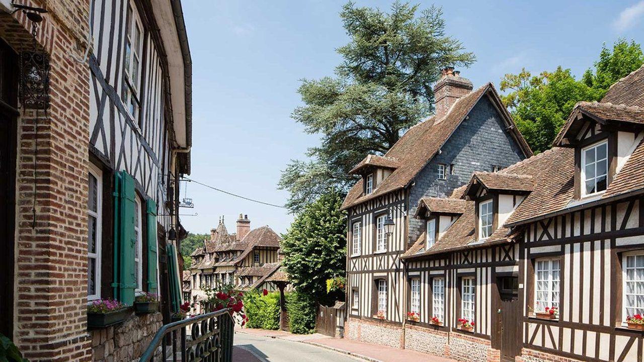 Lyons-la-Forêt dont la halle a servi de décor au tournage du film Madame Bovary en 91, fait partie des plus jolies bourgades de la région. Et les prix peuvent grimper lorsque la qualité est au rendez-vous.