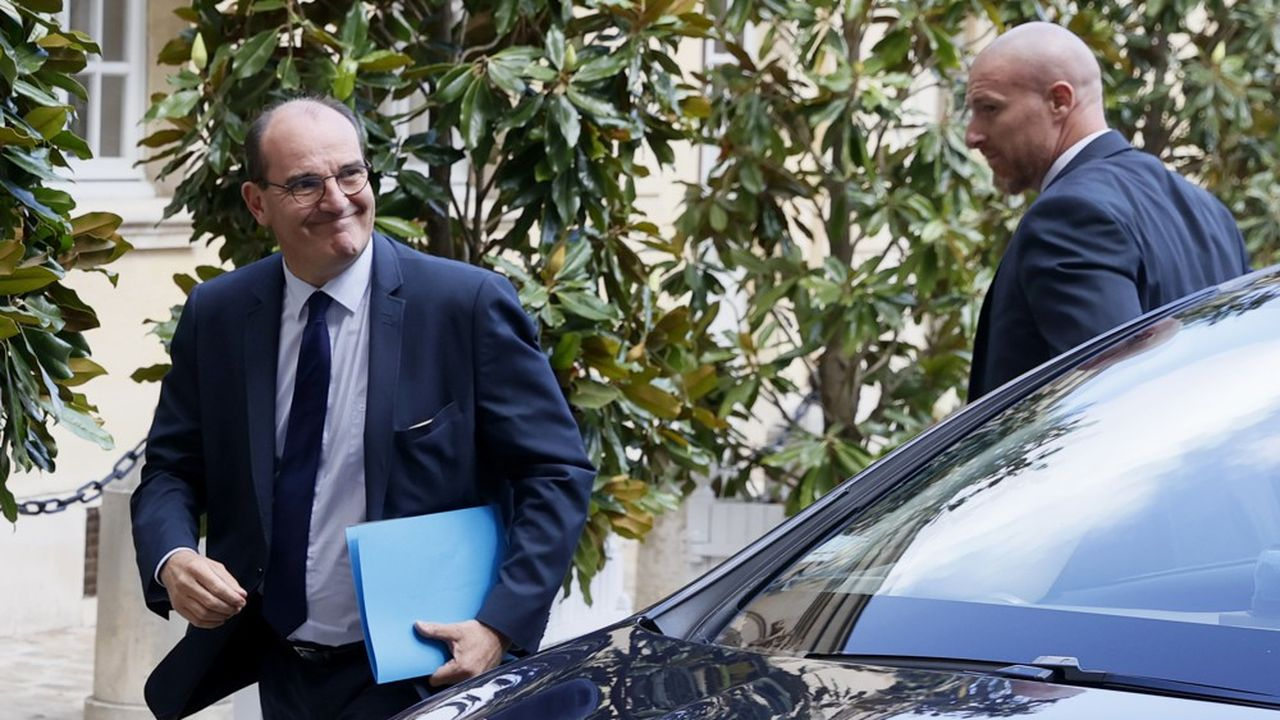 French Prime Minister Jean Castex arrives to attend a meeting with representatives of local authorities and mayors at the Hotel Matignon in Paris on July 11, 2020. (Photo by Thomas SAMSON / AFP)