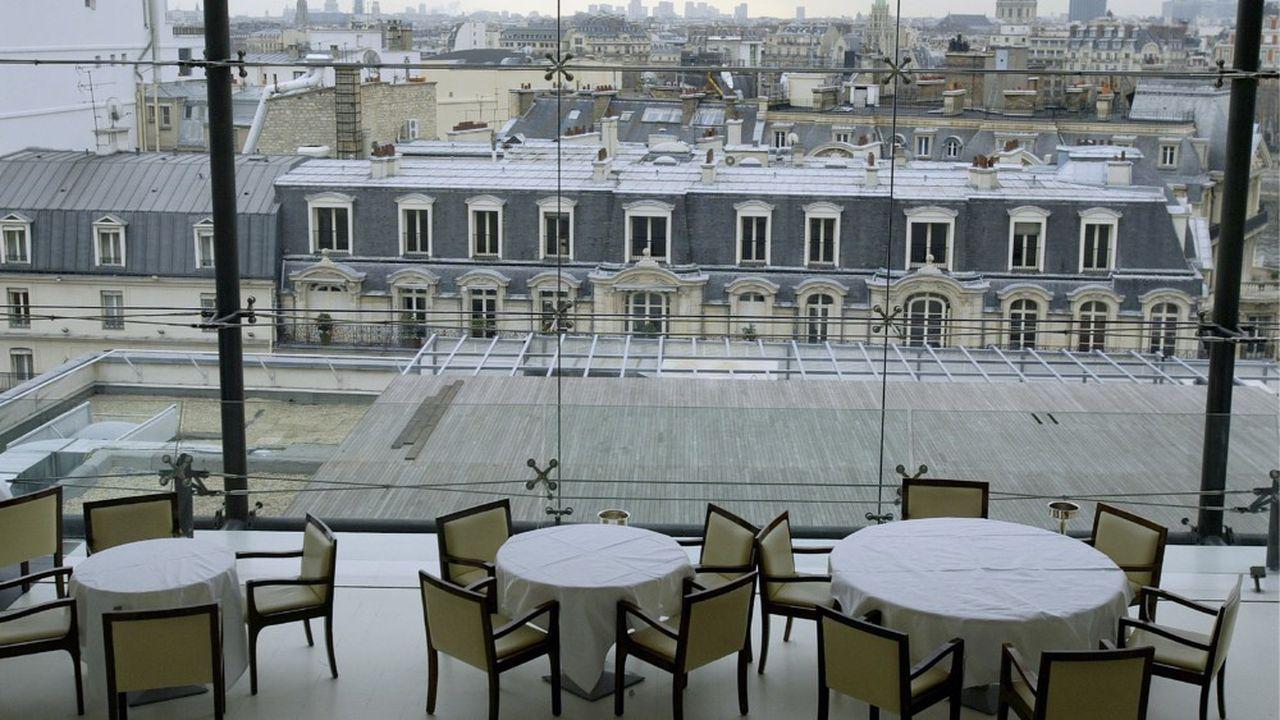 Restaurant la Maison Blanche. Vue panoramique sur la capitale, les toits