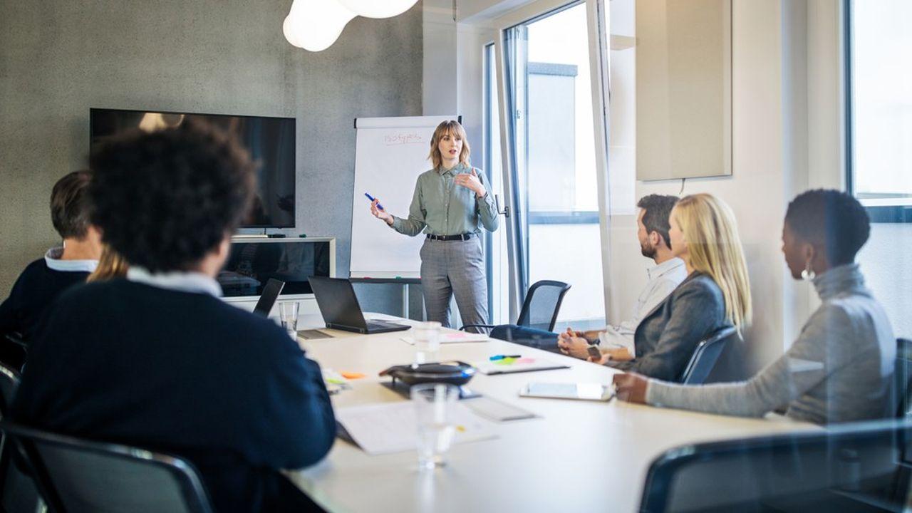 Près de 40% des cadres sont des femmes (privé et public).