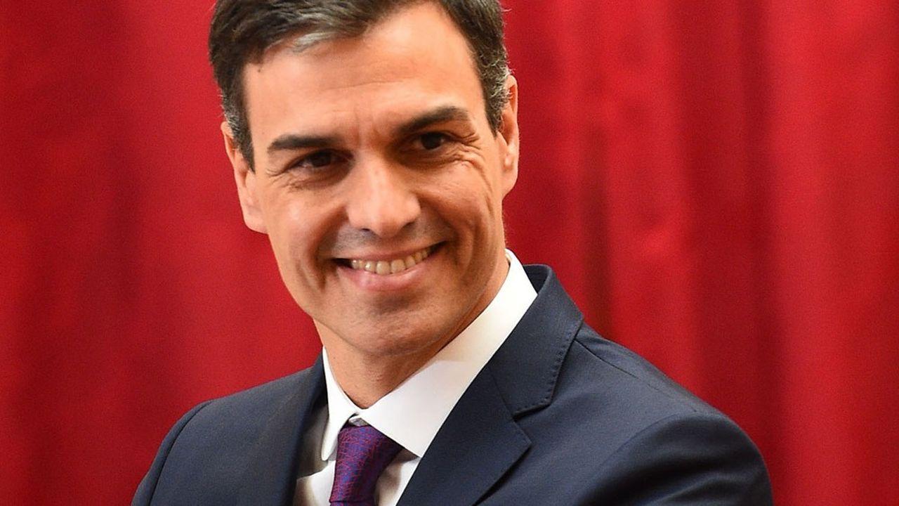Les résultats sans grands remous dans deux élections régionales (Galice et Pays Basque), dimanche, sont interprétés comme positifs pour le Premier ministre espagnol Pedro Sánchez, même si le score du Parti socialiste est discret dans les deux régions.