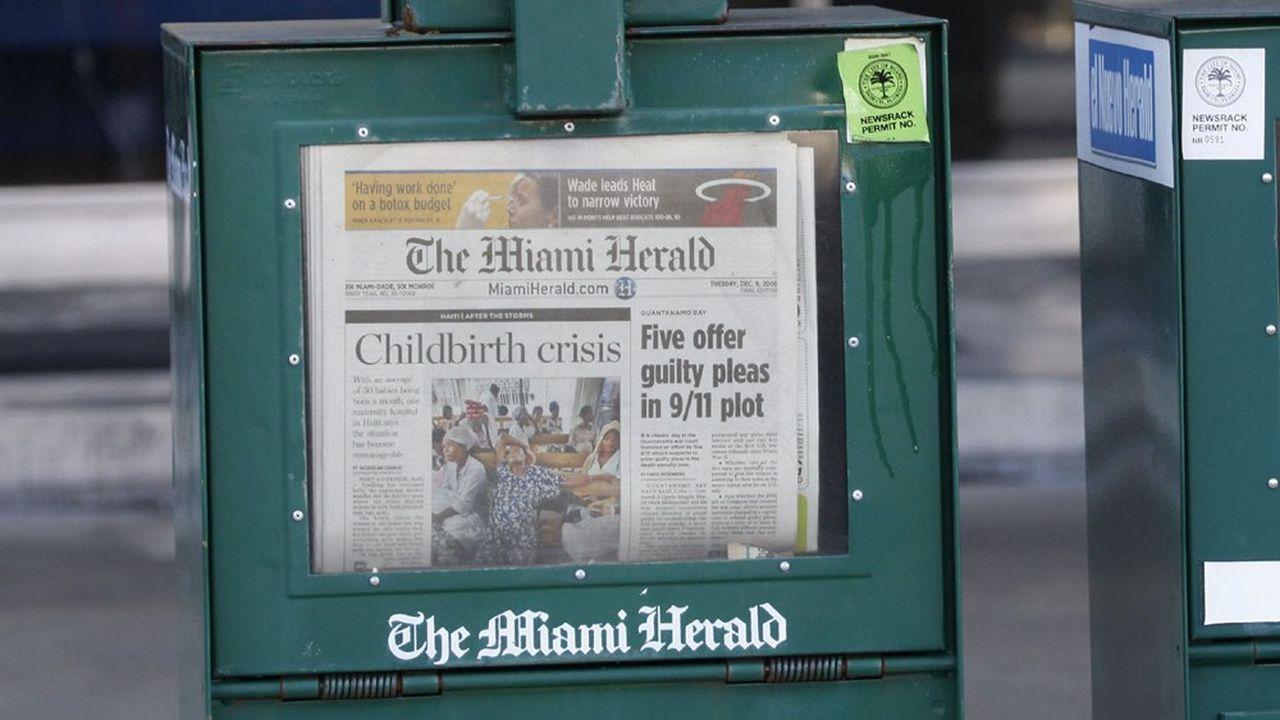 Distributeurs automatiques des journaux «Miami Herald» et son édition en langue espagnole «El Nuevo Herald».