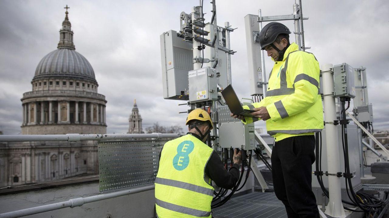 Les opérateurs britanniques ont jusqu'à2027 pour retirer les équipements Huawei de leurs réseaux mobiles.