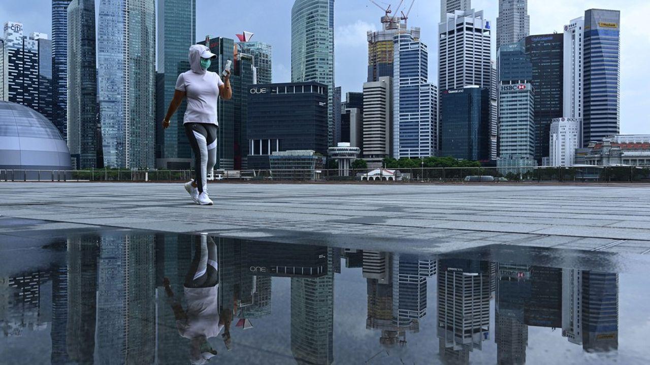 Singapour vient de plonger dans la récession après avoir enregistré, pour le deuxième trimestre, une contraction de 41,2% de son PIB.