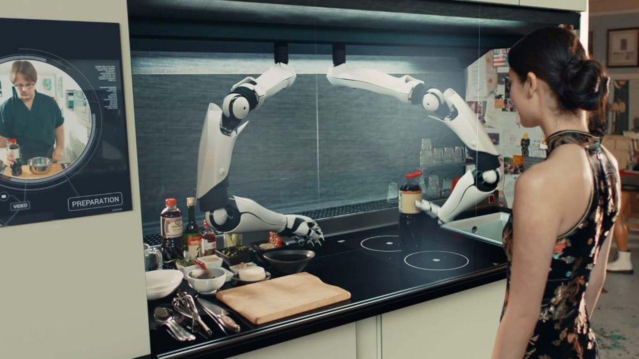 Conçu par la start-up britannique Moley Robotics, ce robot reproduit les gestes d'un chef avec ses deux bras mécanisés. Il ne reste plus qu'à demander à ce cordon bleu de vous concocter l'une des 2.000 recettes qu'il a apprises.