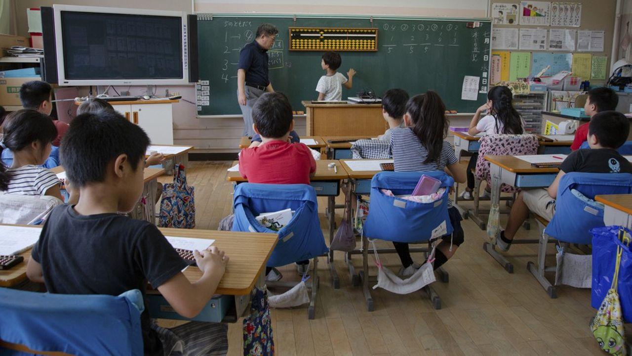 Les écoliers d'Asie devront attendre pour aller à la mer.