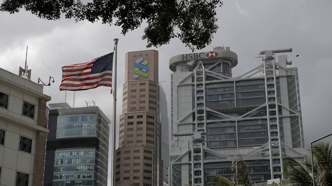 Donald Trump a décidé de frapper fort en révoquant le statut commercial préférentiel de Hong Kong.