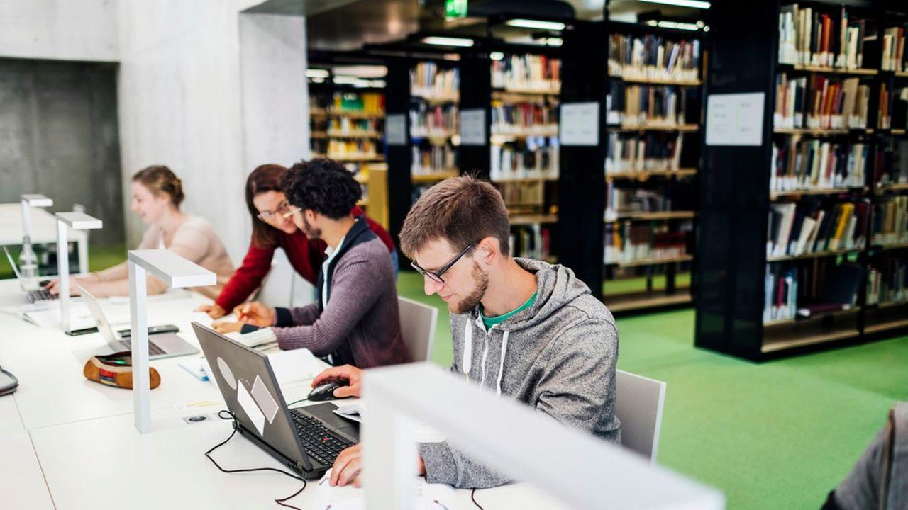Selon un sondage OpinionWay pour l'Edhec et l'Institut Montaigne, 87% des personnes sondées en France jugent «indispensable ou important» la transformation des formats d'apprentissage.